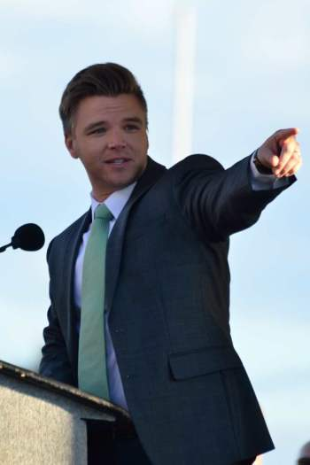 "Actor Brett Davern, who stars on MTV's ""Awkward,"" was the surprise guest speaker for"