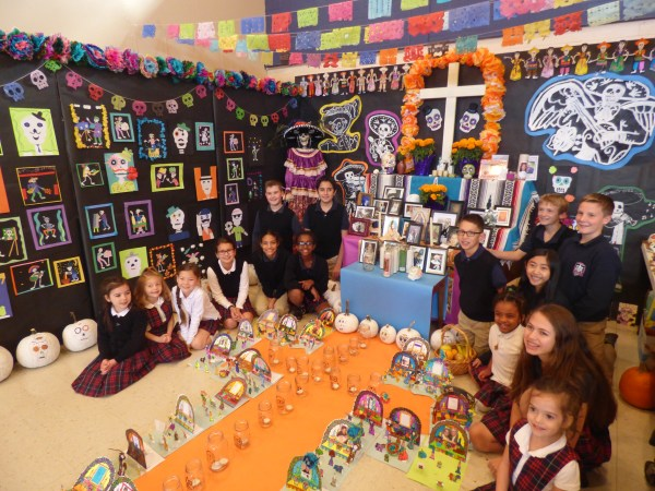 El Día de los Muertos (The Day of the Dead)  Holy Rosary students prepare an altar honoring their ancestors in celebration of Día de los Muertos, a traditional holiday celebrated in Mexico on November 1st and 2nd.  Each student contributes various forms of art and photos of their loved ones who have passed.  This project has become a tradition  of our Spanish Program at Holy Rosary School in Edmonds.