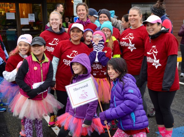 Sherwood Elementary team members pose for a photo prior to the race.