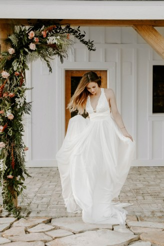 the_barn_at_riverbend_wedding_summer-21