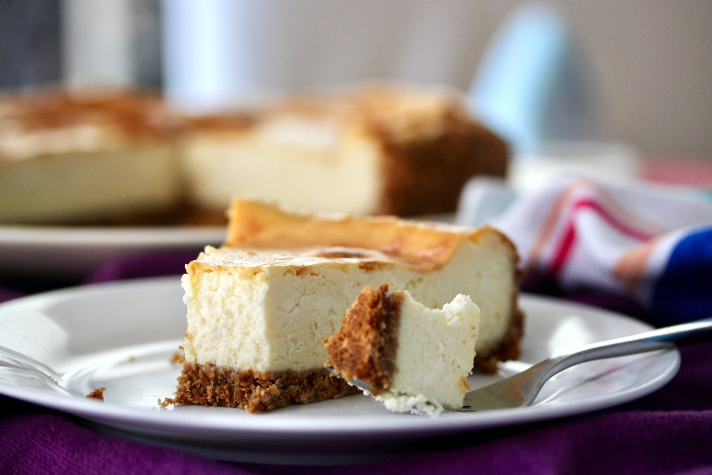 This image has an empty alt attribute; its file name is cheesecake-1024x683.jpg