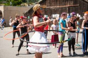 So many good hula hoopers around here