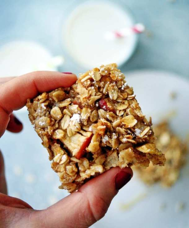 Healthy Baked Apple Oatmeal Bars 4