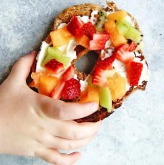 bagel fruit pizza