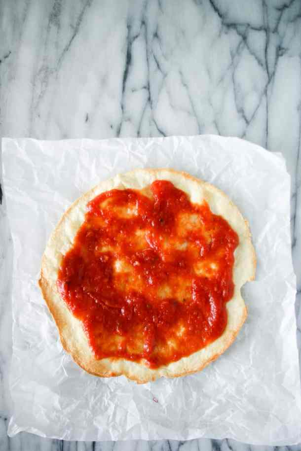 tortilla pizza crust with sauce