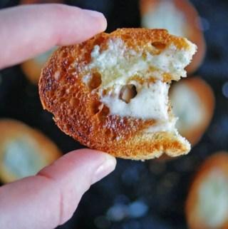 Gorgonzola + Honey Crostini |anutritionisteats.com