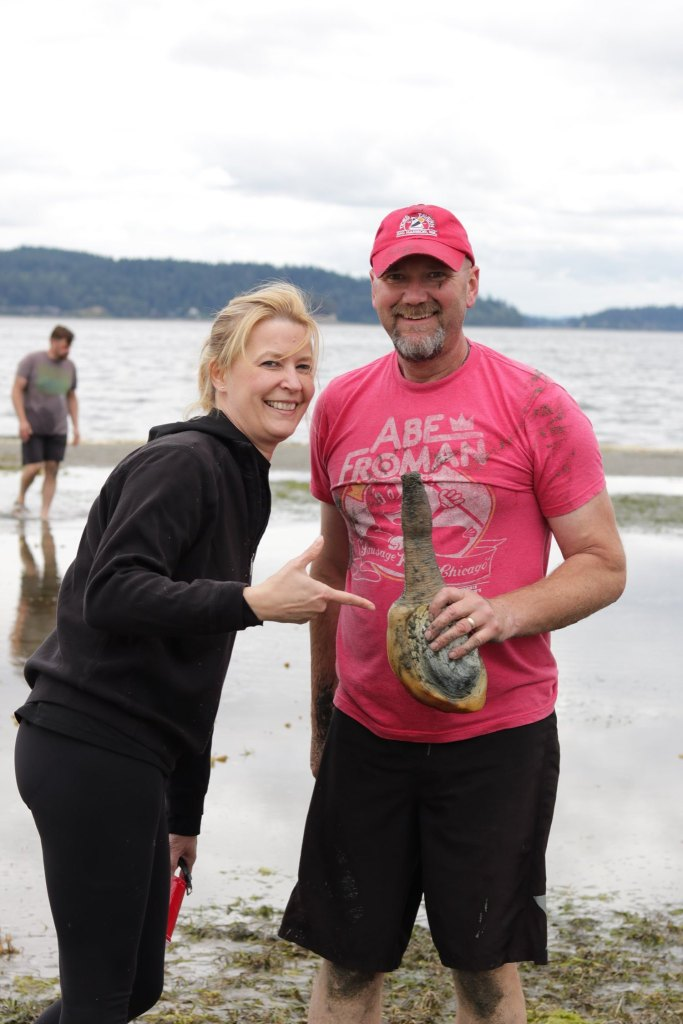 On the hunt for the Pacific Northwest geoduck
