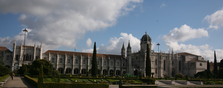 Jerónimos Monastery in Belém and Portuguese Egg Tarts