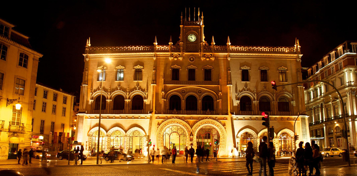 A night picture of Lisbon's Railway station.