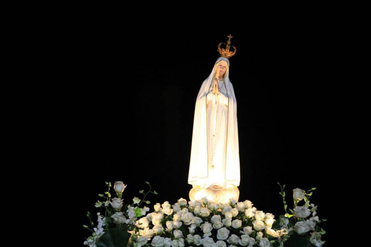 The life-size statue of Our Lady of Fatima. (picture courtesy of Turismo De Portugal Centro)