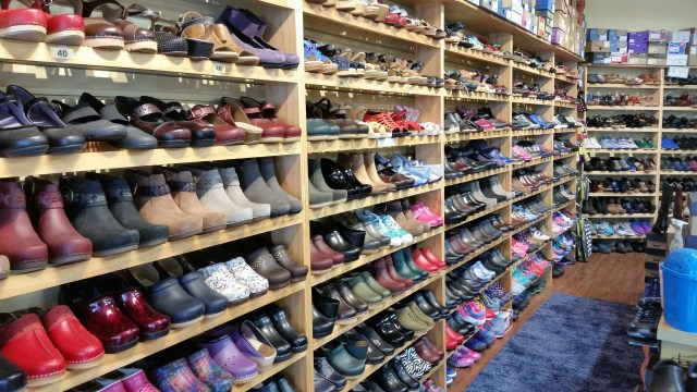 shoes at clogs n more