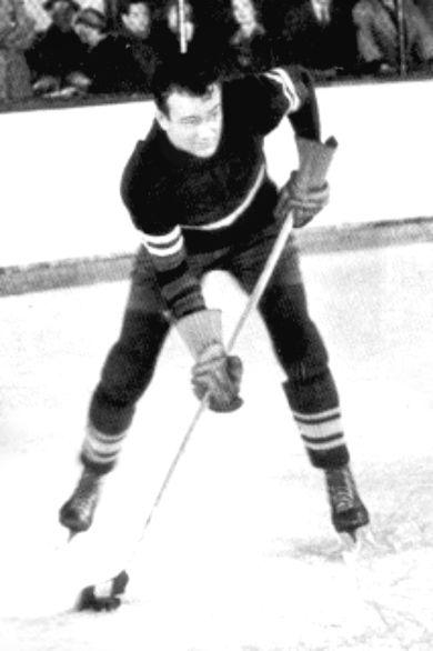 JOHN WAYNE 1937 idol of the crowd