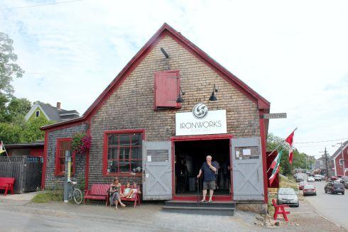lunenburg-booze-shop