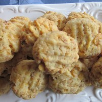 Crunchy Cheese Biscuits