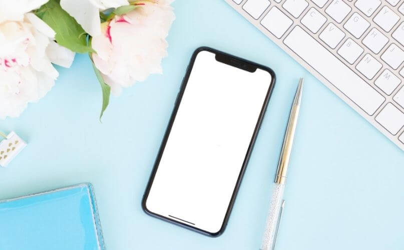 Tips to save money on your phone bill - My Financial Hill