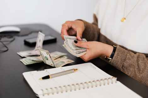 how to save money on a low income, save money live better