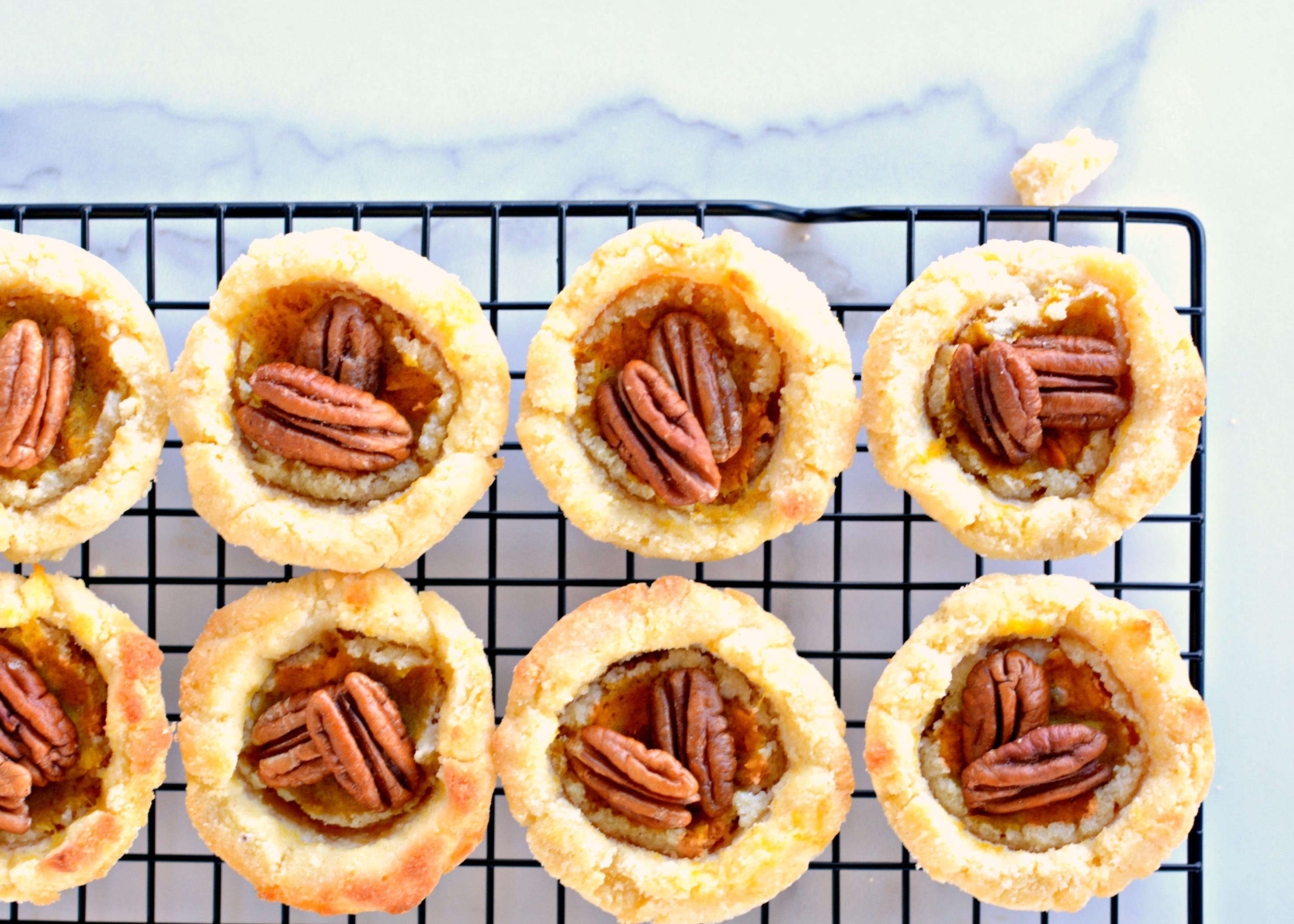Easy Pumpkin Pie Tarts: Like Pumpkin Pie Only Cuter!