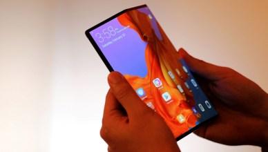 四款折疊式智慧型手機功能與規格比較,Samsung Galaxy Z Fold2、Z Flip、Motorola RAZR、小米MIX FOLD