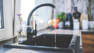 家裡的飲用水乾淨嗎?淨水器挑選與推薦,廚下型、桌上型、水龍頭型一看就懂