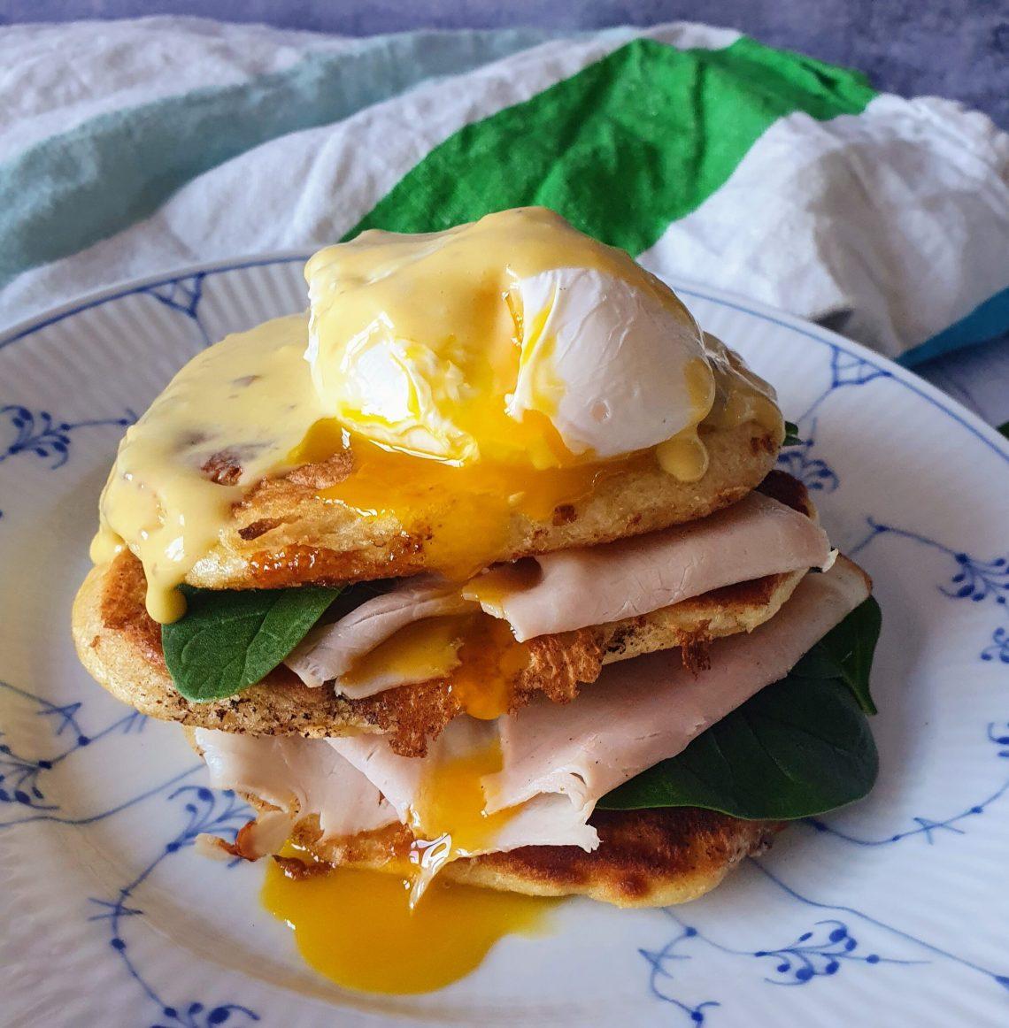 Pocheret æg. trøffel hollandaise og amerikanske pandekager