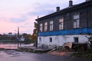 Старые постройки города