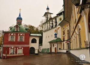 На территория монастыря