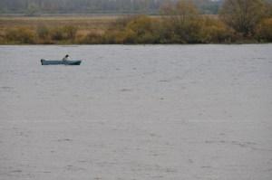 Рыбак на озере Ильмень