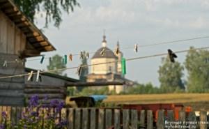Вид на Богоявленскую церковь