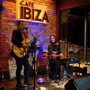 Dinner & A Show @ Cafe Ibiza