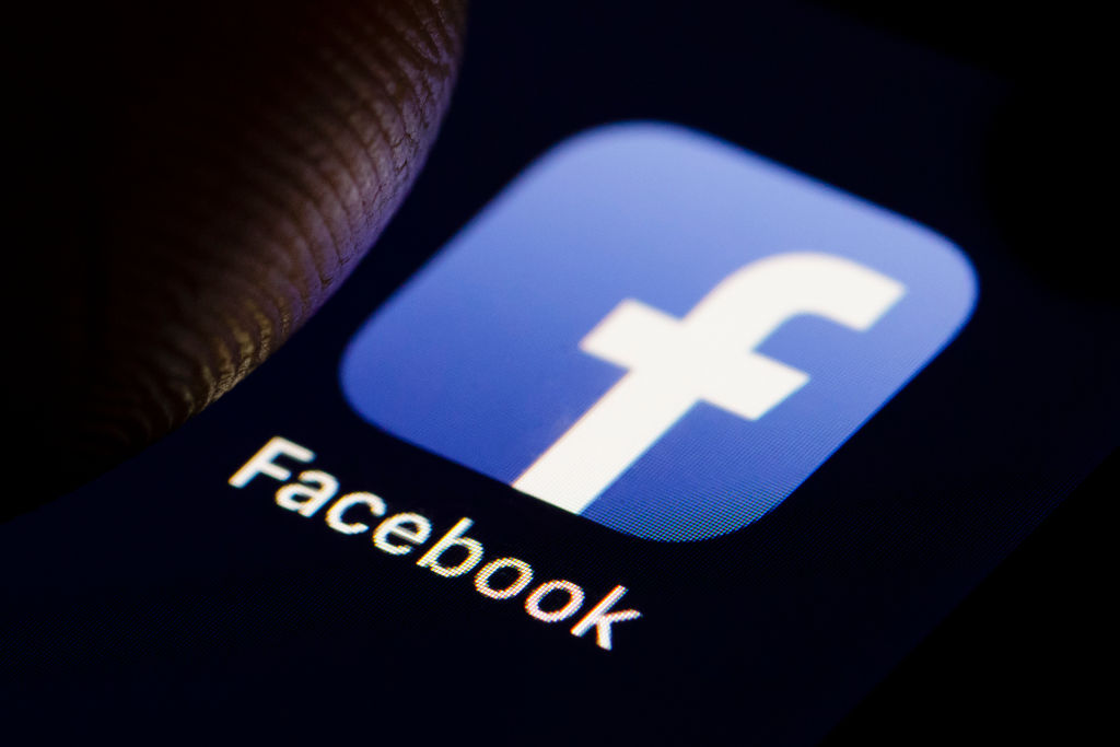 Facebook app (Photo by Thomas Trutschel/Photothek via Getty Images)