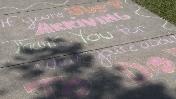Sidewalk notes bring smiles to hospital staff amid coronavirus outbreak