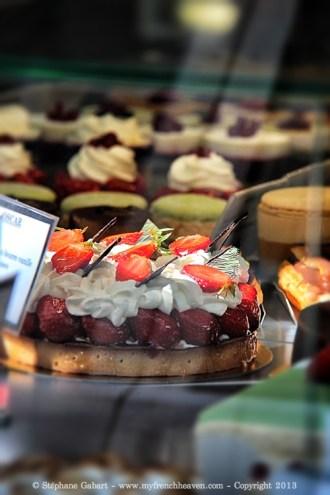 Strawberry cake in the window
