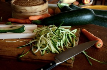 courgette-and-carrot-tagliatelli-preparation