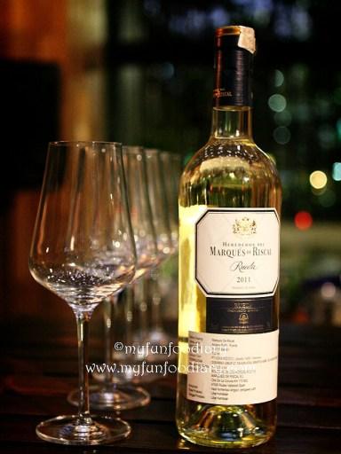 White Wine paling ringan