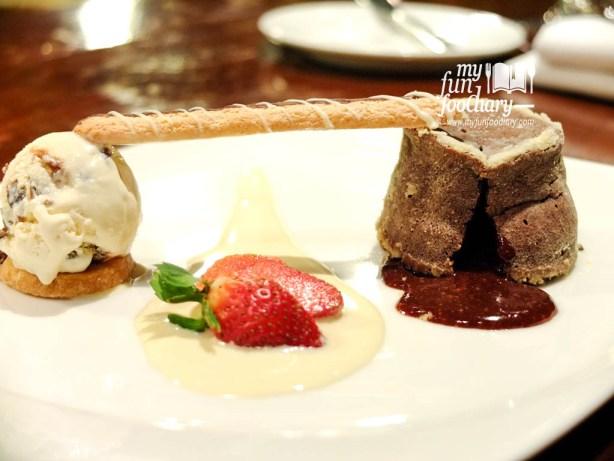 Warm Melted Choco Cake