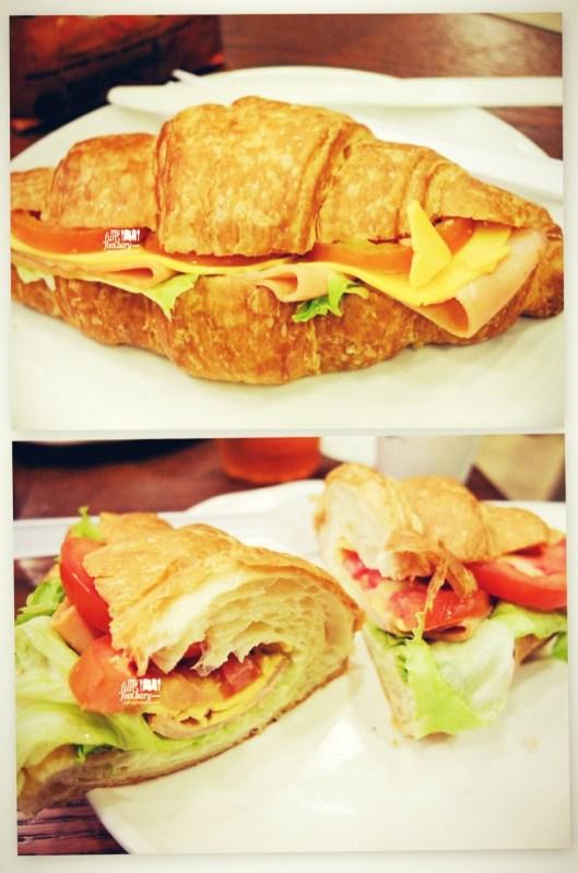 Chicken-Croissant-Sandwich