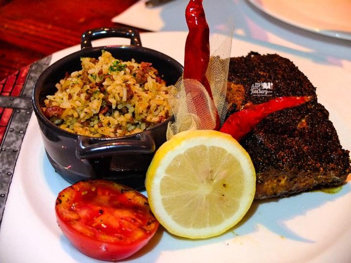 Blackened Tuna with Dirty Rice