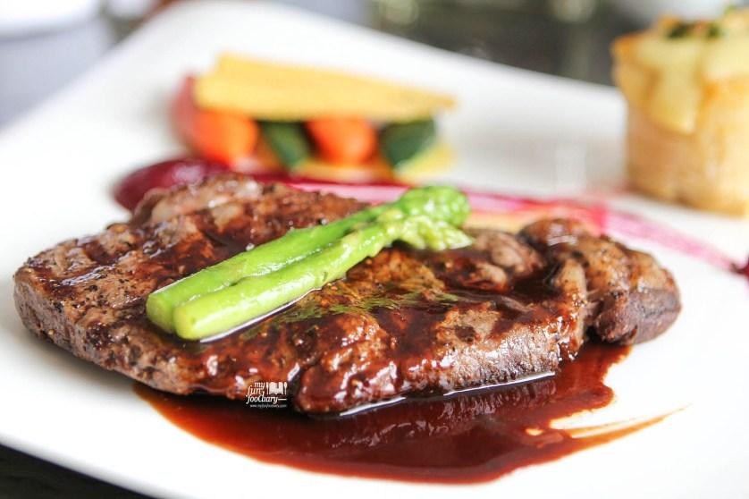 Grilled Sirloin of Wagyu at Fresco Restaurant Hilton Bandung by Myfunfoodiary