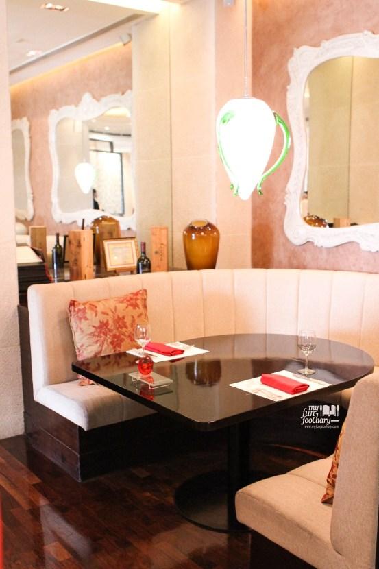 Lounge Area at Rosso Shangri-La Jakarta by Myfunfoodiary