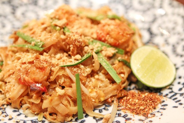 Phad Thai at Howdy Hello Hola Hey Ho Grand Indonesia by Myfunfoodiary v3