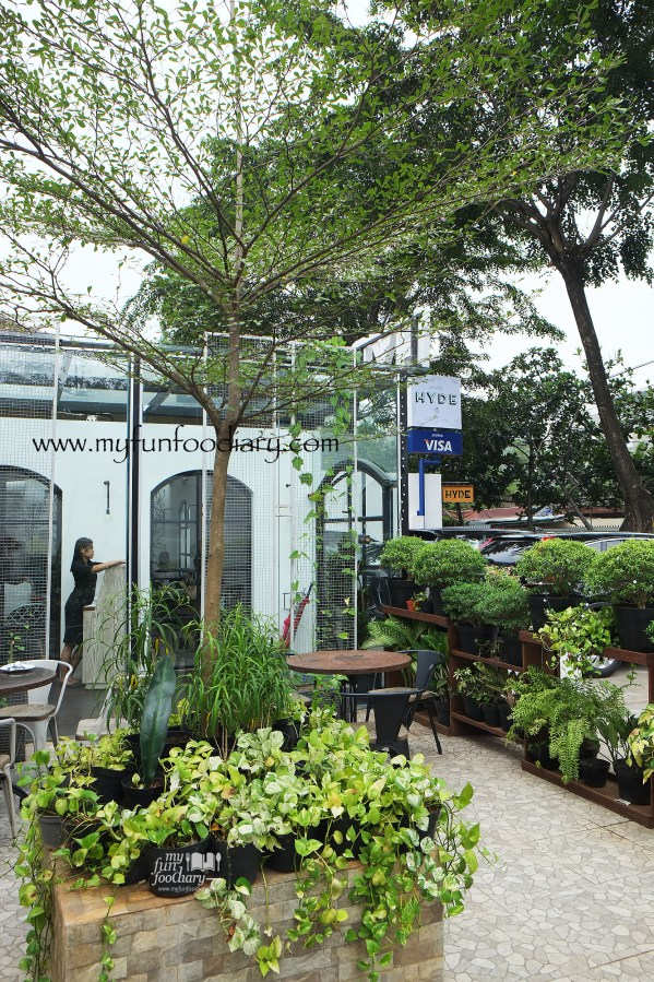 Outdoor Area at Hyde Kemang by Myfunfoodiary