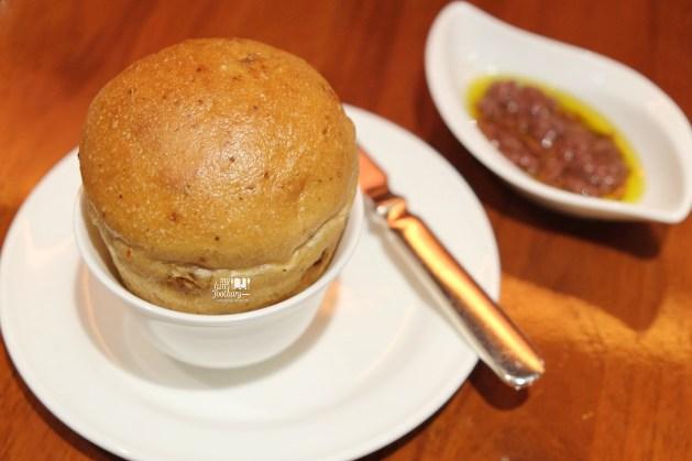 Walnut Bread at Scusa Intercontinental MidPlaza by Myfunfoodiary
