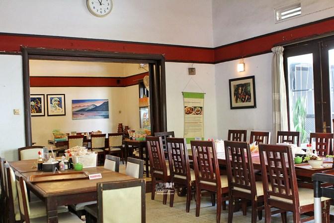 Area Tempat Makan di Dapur Buntut Dahapati by Myfunfoodiary