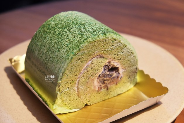 Matcha Ogura Swiss Roll at Dill Gourmet by Myfunfoodiary