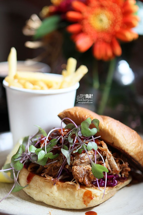 Pulled Pork at Two Hands Full Coffee by Myfunfoodiary