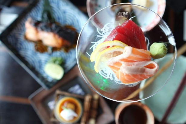 Shake and Maguro Sashimi at Enmaru Restaurant at Altitude The Plaza by Myfunfoodiary 02