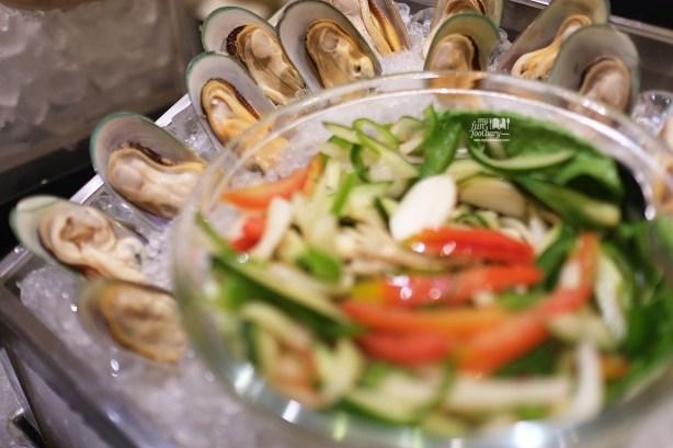 Mussels and Salad at Sailendra Restaurant JW Marriott Jakarta by Myfunfoodiary