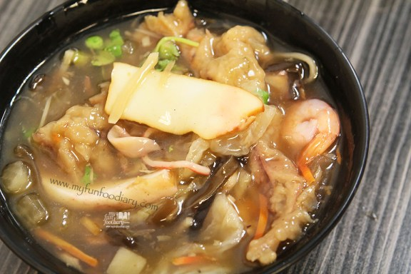 Seafood Soup at Rao He Night Market Taiwan by Myfunfoodiary
