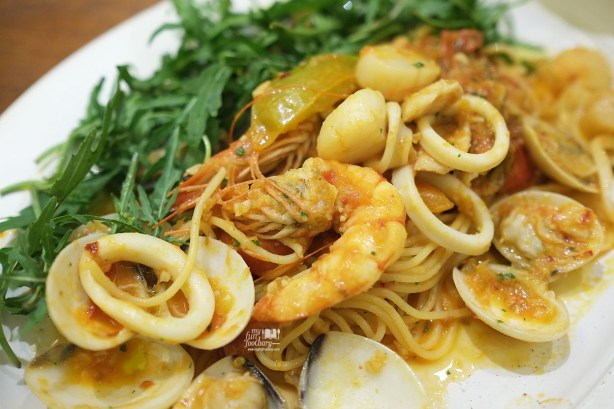 Spaghetti Pescatore at AW Kitchen by Akira Watanabe - by Myfunfoodiary