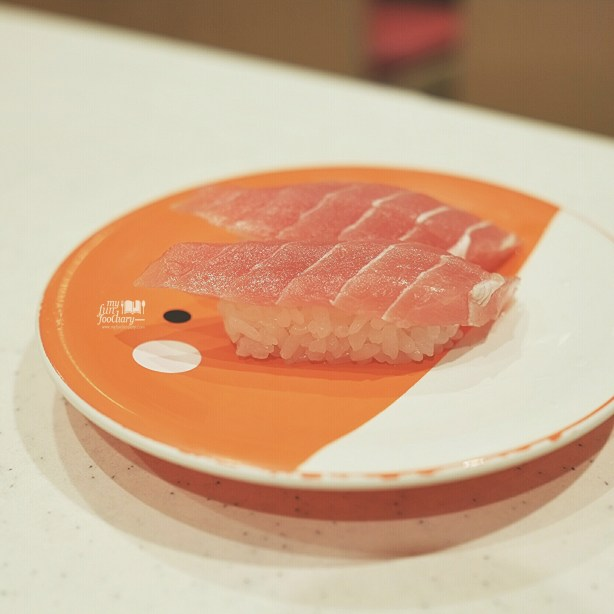 Tuna with Wasabi at Premium Sushi Train KAIO Sushi at Diver City Tokyo - by Myfunfoodiary